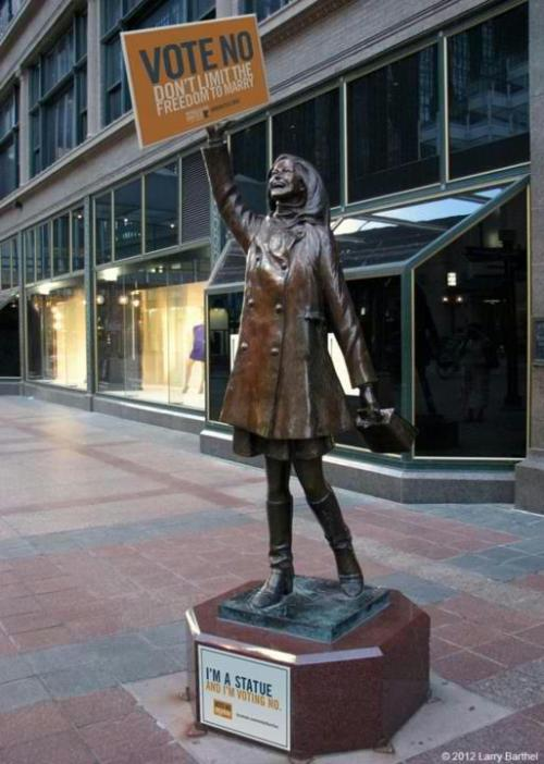 stuffaboutminneapolis:  Mary Tyler Moore Statue says Vote No.