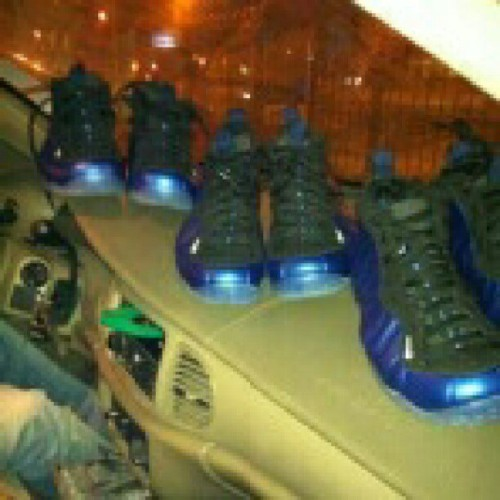 #TBT Penny Blue #Foamposites for the whole #coast, #shoutout the #Nike connect… (Taken with Instagram)