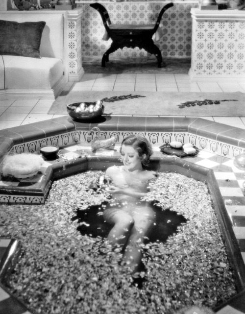 Myrna Loy takes the most decadent bath