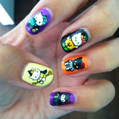 jazzyfantazzy:  Freehand hello kitty Halloween nails, I am ruusssttyyy on my detail work hahaha (Taken with Instagram)  idk what you're talking about because these are awesome!
