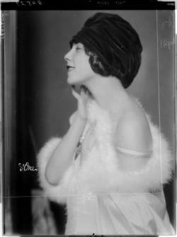 Tilly Losch by Madame d'Ora, 1926