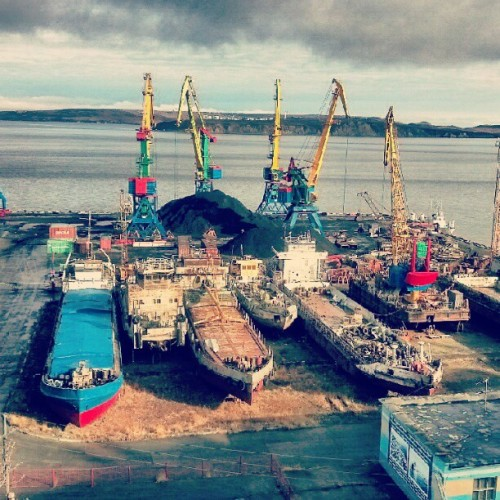 Ship repair. Dock. #Chukotka #Anadyr #sea #dock #ship #barge #repair #load #hoist #coast #shore #water #porusski #photomania #photooftheday #imageoftheday #picoftheday #instaddict  (Taken with Instagram at Порт Анадырь)