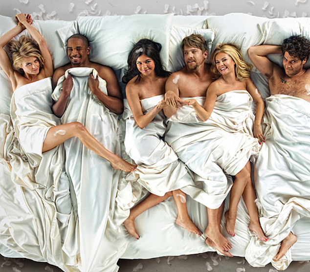 imwithkanye:  And just like that, Happy Endings' 'Friends transformation' is complete. [via]