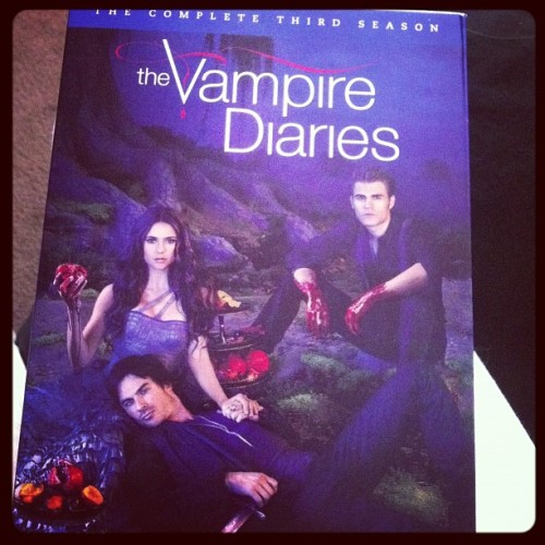 Finally came 😍 #thevampirediaries #season3 #tvd #stefan #elena #damon (Taken with Instagram)