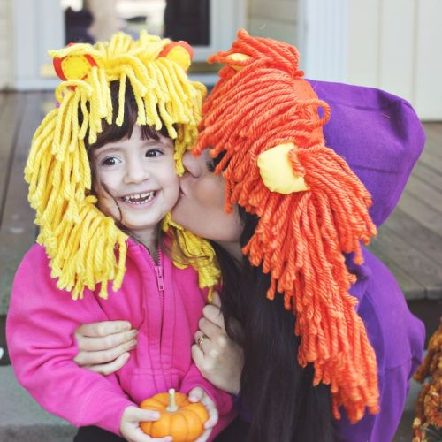 halloweencrafts:  DIY Halloween Lion Hoodie from A Beautiful Mess here. Easy and cheap costume especially with face paint makeup.