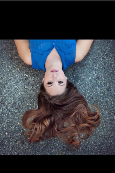 One of my senior pictures!! :DD