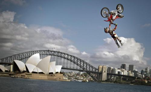 Red Bull X-Fighters heads to Sydney, Australia for the 2012 finals this weekend. Who's your pick? Check the preview —-> http://es.pn/PBOljh