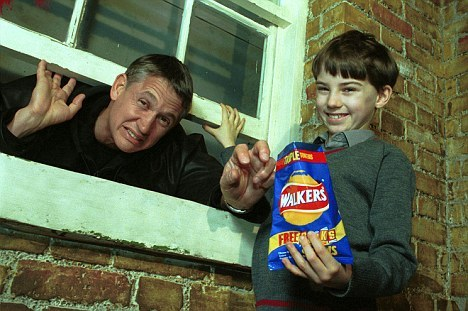Gary Lineker tries to steel a kid's crisps whilst defecating
