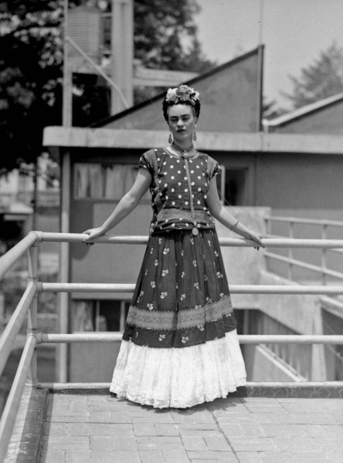 theyroaredvintage:  Frida Kahlo, Mexico City, 1939.