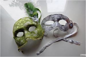 how to make your own masks.  perfect for Halloween