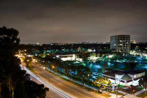 hankyungese:  alvinleephotography:  University Town Center Irvine, CA  Wow, this is nice.  I miss UCI!!