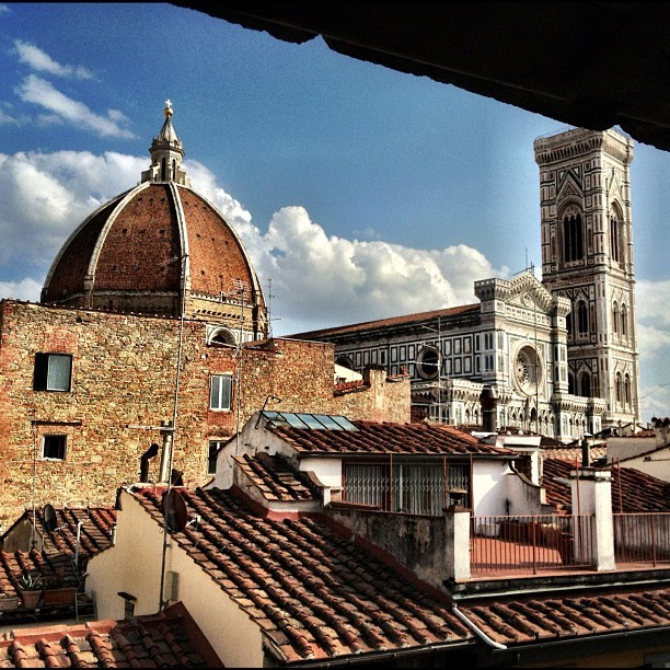 The duomo from our bedroom, heck of a view ain't it? #jux #toscano #tuscany #florence #italy  (Taken with Instagram)