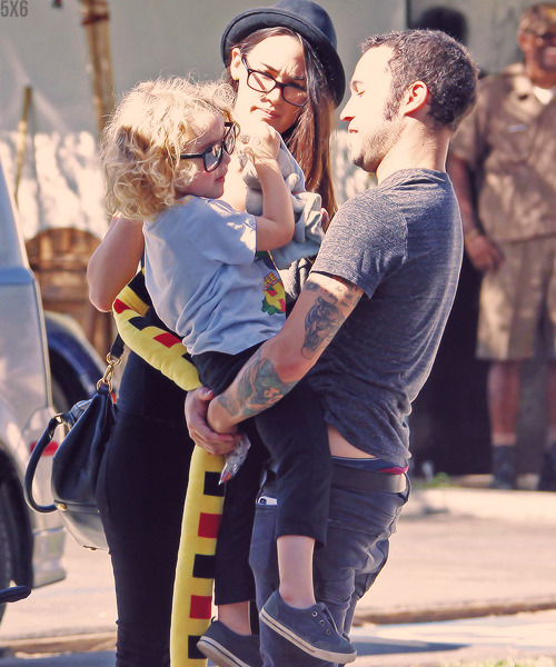 Meagan Camper and Pete Wentz with Pete's son Bronx Wentz at Sweet Butter in Sherman Oaks, CA (04/10/12)