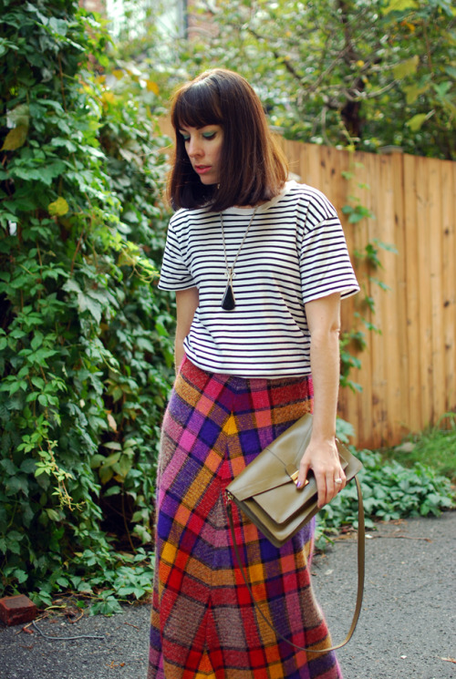 modcloth:  Isabelle of La Vie C'est Yeye mixing plaid and stripes. We dig!   Obsessed with the mixed prints AND THAT SKIRT.