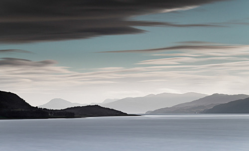 esteldin:  Across Loch Linnhe by Trevor Cotton on Flickr.