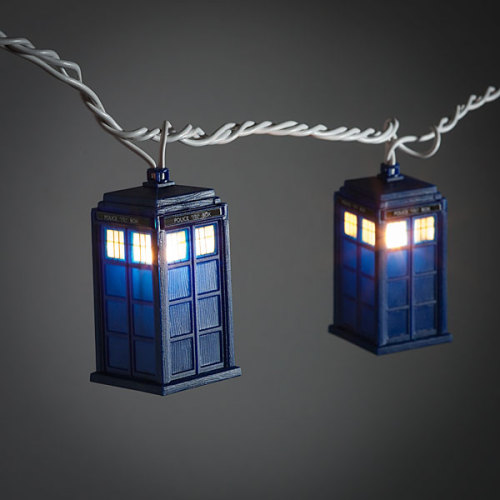 Things you need for your Xmas tree: TARDIS lights Product site