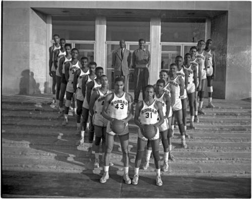 Morgan State College basketball teamBaltimore1951Paul Henderson (1899-1988)4 x 5 inch acetate negative Paul Henderson Photograph CollectionBaltimore City Life Museum CollectionMaryland Historical SocietyHEN.03.02-064