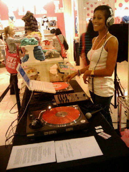 Victoria Secret Shopping Event. 2011. Soooo Fun!