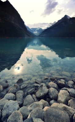 dirtyprettything:  Lake Louise, Alberta