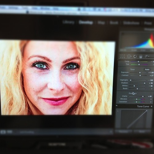 Editing some good stuff for beautiful @mamaindigo 💙 #lightroom (Taken with Instagram)