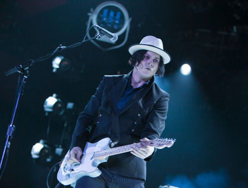 Jack White Visits The GRAMMY Museum GRAMMY-winning singer/songwriter Jack White recently participated in an installment of the GRAMMY Museum's A Conversation With series. Before an intimate audience at the Museum's Clive Davis Theater, White discussed recording his debut solo album, Blunderbuss, his love for the blues, making the 2008 documentary It Might Get Loud, and the resurgence of vinyl, among other topics. WATCH.