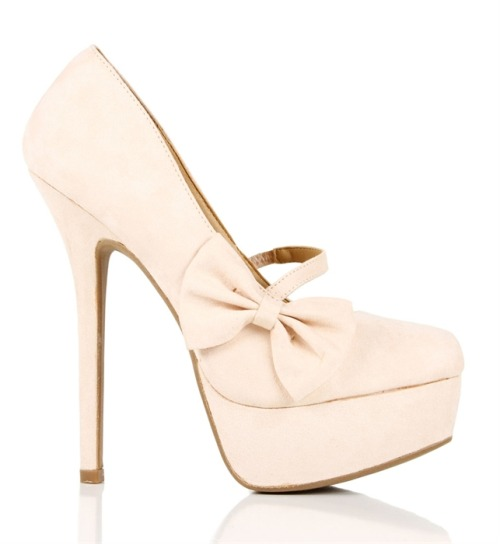 (via Nude Mary Jane Bow Pump)