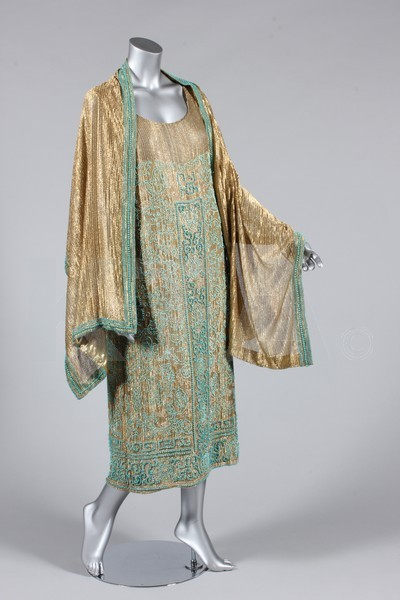 oldrags:  Evening dress and matching stole, ca 1923 Bust is 102cm/40in, about a size 18 UK/14 US. Click to go to the absentee bidding page.  This Kerry Taylor auction will end October 16th at 10:30 AM GMT (5:30 AM EST).  You will need to register to bid ahead of time.