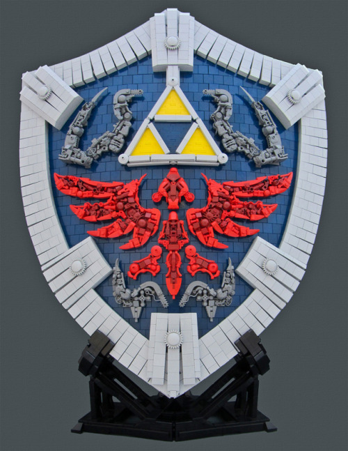 laughingsquid:  The Legend of Zelda: Twilight Princess Hylian Shield Built From LEGOs
