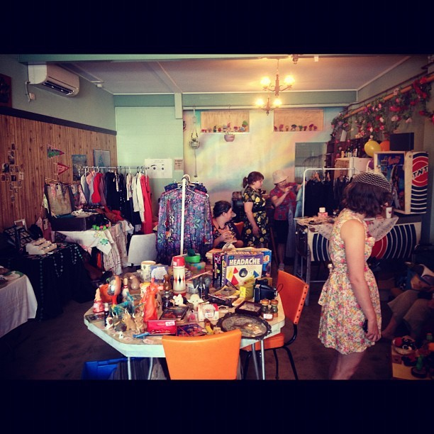 Mini Markets have started up at Southside Tea Room. Lots of clothes and Bric-brac and some craft #markets #hacklock  (Taken with Instagram)