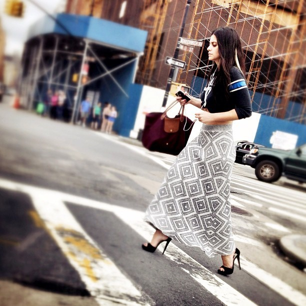 Street couture. 👠👜 #newyorker # newyorkcity #nyc #nycfashion #fashion #sidewalksupermodel #highfashion #streetphotography (Taken with Instagram)