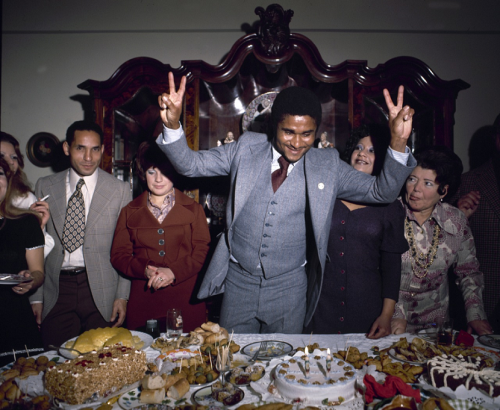 Eusebio celebrates his 30th birthday (via futbolintellect)