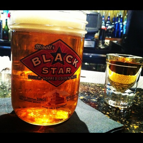 Black star and Jameson #afterwork #blackstar #jameson #ilovebeer #theparlor #happyhour #myshit #whatchuknowaboutthat  (Taken with Instagram at The Parlor)