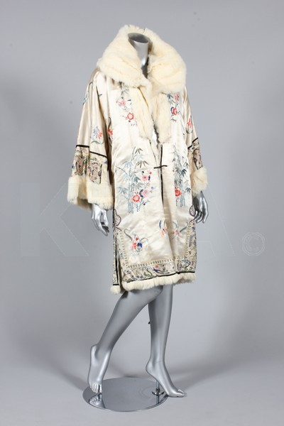 Evening coat, 1920's China (for the European market) Bust is 102cm/40in, about a size 18 UK/14 US. Click to go to the absentee bidding page.  This Kerry Taylor auction will end October 16th at 10:30 AM GMT (5:30 AM EST).  You will need to register to bid ahead of time.