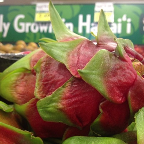 Dragon fruit looks fierce! #foodlandhi (Taken with Instagram at Foodland Farms)