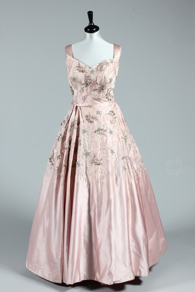 Ballgown by Harald, 1955-58 London - Bust is 91-97cm/36-38in, waist is 66cm/26in, about a size 12-16 UK/8-12 US with a small waist. (Below) Ballgown by Harald, 1950's London - Bust is 91-97cm/36-38in, waist is 71cm/28in, about a size 12-16 UK/8-12 US. Click to go to the absentee bidding page.  This Kerry Taylor auction will end October 16th at 10:30 AM GMT (5:30 AM EST).  You will need to register to bid ahead of time.