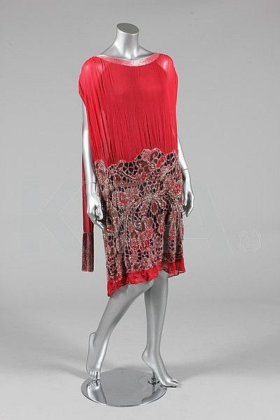 Evening dress by Rivain, ca 1925 Paris Bust is 92cm/36in, about a size 12 UK/8 US. Click to go to the absentee bidding page.  This Kerry Taylor auction will end October 16th at 2:00 PM GMT (9:00 AM EST).  You will need to register to bid ahead of time.