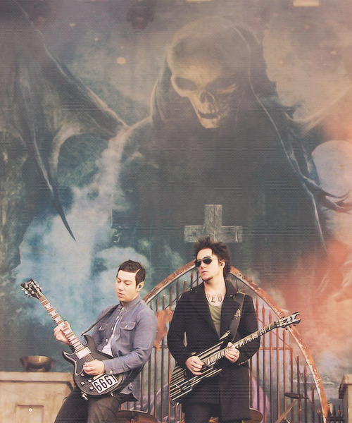 58/100 pictures of Avenged Sevenfold.