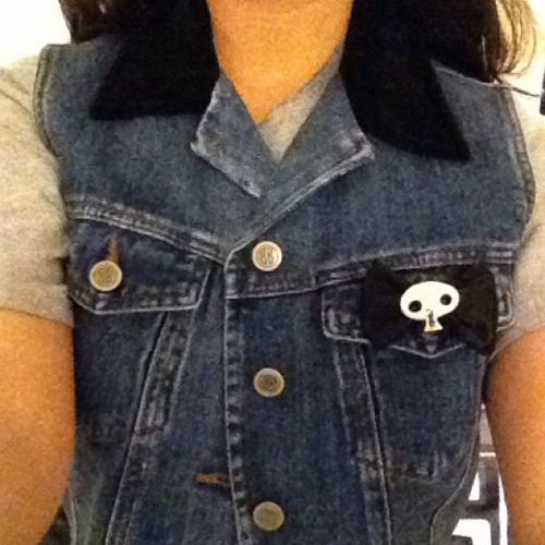 Finally got my denim vest in! Added my #zombiegirldesigns bow of course! @zombymama do you think I could send the vest to you so you could personalize it? :$  (Taken with Instagram)