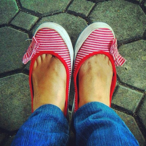 My shoes 😄 #igpinay_06shoes #igpinay #pinaypower #red #shoes #feet  (Taken with Instagram)