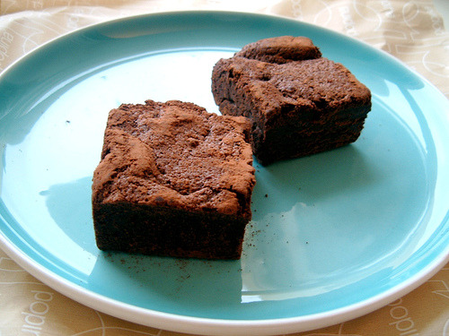 cravingsforfood:  Chocolate brownies.