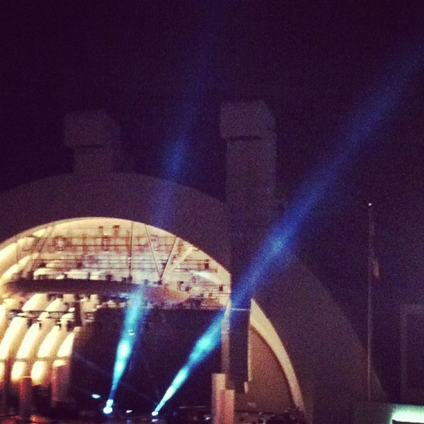 Hollywood Bowl with da mama seeing Jason! @irinane #jasonmraz #hollywoodbowl #lights #action #awesome #excited #friday #night (Taken with Instagram at hollywood bowl)