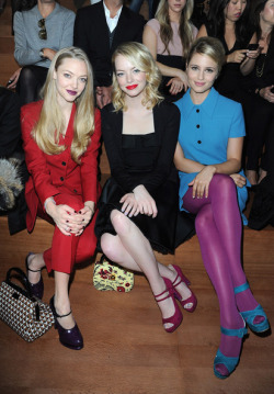 PARIS FASHION WEEK - AMANDA SEYFRIED, EMMA STONE & DIANNA AGRON (MIU MIU SPRING/SUMMER 2013 SHOW)It is one of the most anticipated weeks in the fashion world; and Fashion Week in Paris has not failed to impress in the fashion stakes with the most gorgeous frocks and threads on display.We are talking unmissable style icons adorned in sophisticated, elegant and edgy designs from our celebrated, talented designers.Grab a croisstant and check out these hottest shots straight from Paris for YOUR viewing pleasure!Image Source: Zimbio