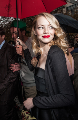 PARIS FASHION WEEK - EMMA STONE (MIU MIU SPRING/SUMMER 2013 SHOW) It is one of the most anticipated weeks in the fashion world; and Fashion Week in Paris has not failed to impress in the fashion stakes with the most gorgeous frocks and threads on display. We are talking unmissable style icons adorned in sophisticated, elegant and edgy designs from our celebrated, talented designers. Grab a croisstant and check out these hottest shots straight from Paris for YOUR viewing pleasure!Image Source: Zimbio