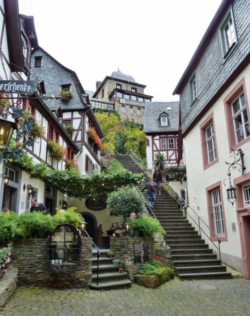 visitheworld:  Charming small town of Beilstein in Rhineland-Palatinate, Germany (by mama knipst!).