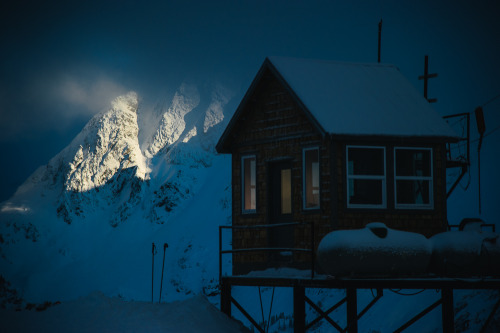 cabinporn:  Mt. Baker Ski Patrol Cabin in the Cascades of Washington State. Shot by one of our favorite adventure photographers, Garrett Grove.
