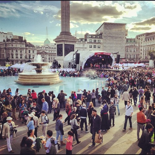 Japanese Matsuri festival #japan #matsuri #festival #stage #trafalgersquare #drums #london #people #crowds #iphone #iphone5 #iphonography #photos #photo #photography #fountain (Taken with Instagram at Trafalgar Square)