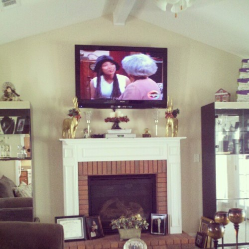 sj87:  Eating #Pancakes and watching #Moesha Mo to the…. LOL!  (Taken with Instagram)