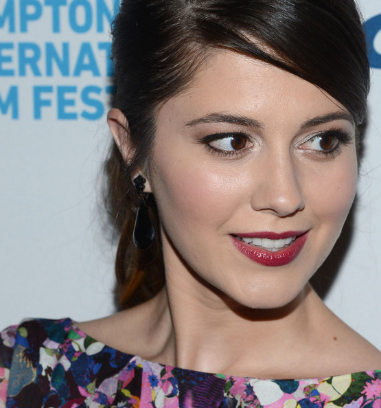 "fuckyeahhotactress:  Mary Elizabeth Winstead attends the ""Smashed"" screening during the 20th Hamptons International Film Festival at UA East Hampton Theater on October 5,"