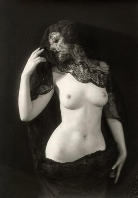 hoodoothatvoodoo:  Alfred Cheney Johnston