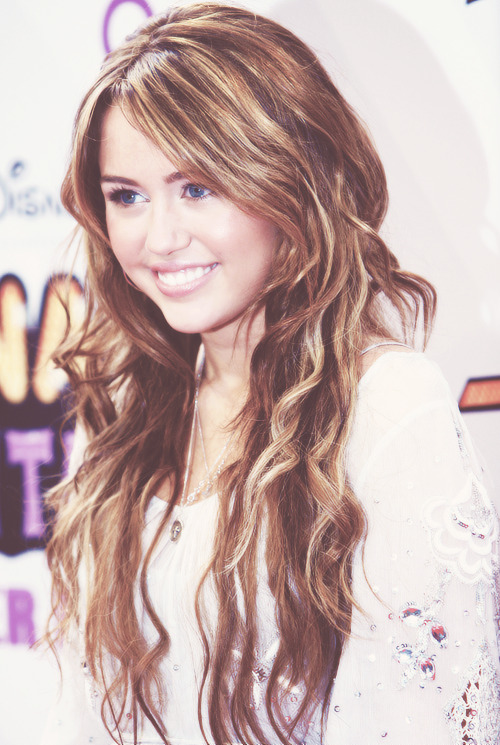 07-/100 Photos Of Miley Cyrus
